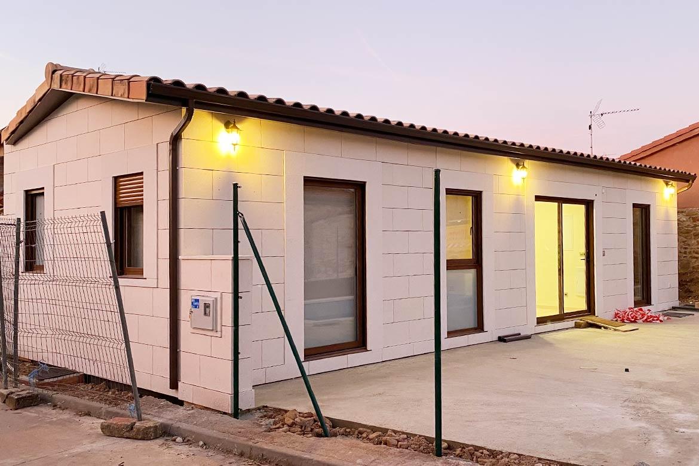 Casas prefabricadas con fachada de piedra