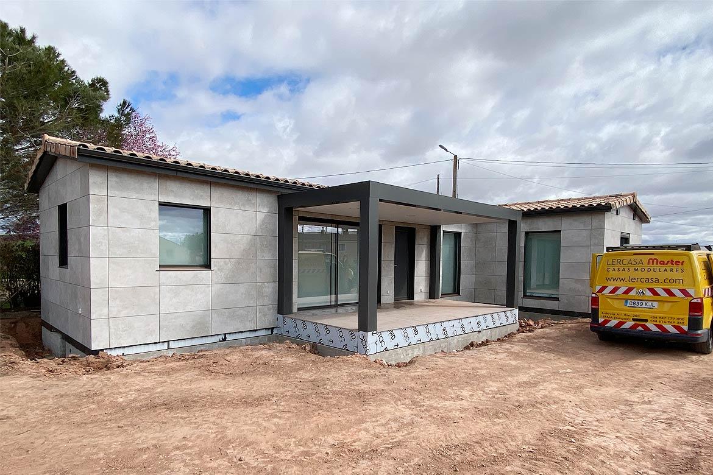Casa prefabricada rústica.