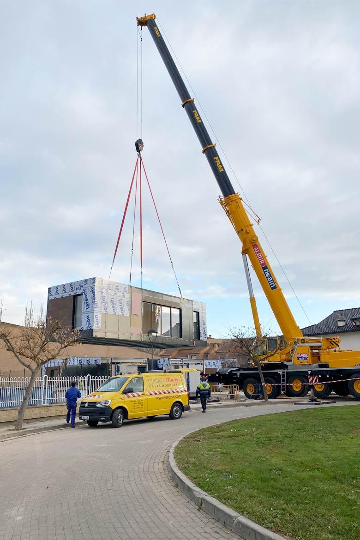 Instalación casa modular moderna.