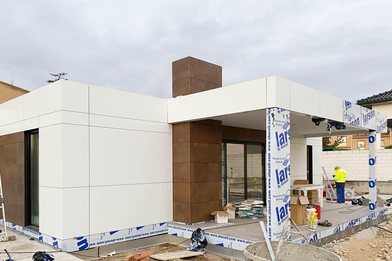 Obra casa prefabricada moderna.