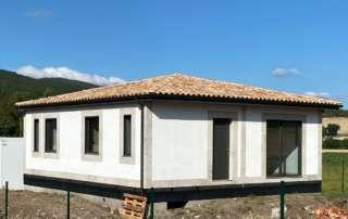 Acabado exterior casa prefabricada rústica.