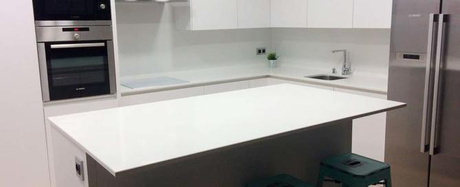 Casa modular con cocina en isla